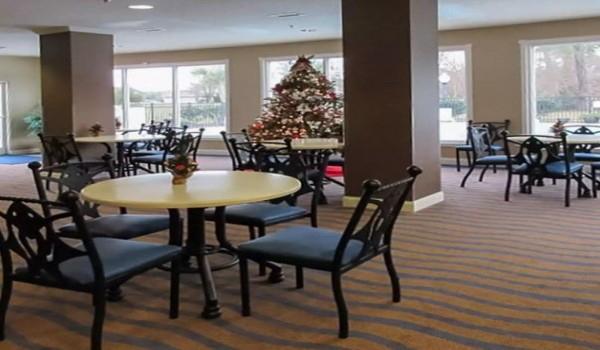 Quality Inn & Suites Sneads Ferry North Topsail Beach - Breakfast Area Seating