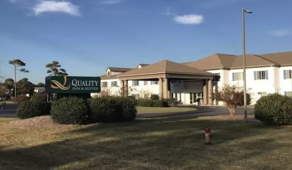 Quality Inn & Suites Sneads Ferry North Topsail Beach - Quality Inn Sneads Ferry