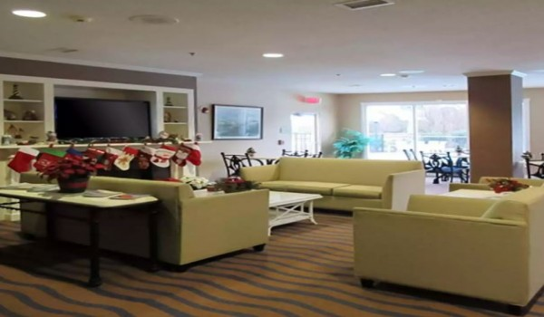 Quality Inn & Suites Sneads Ferry North Topsail Beach - Lobby