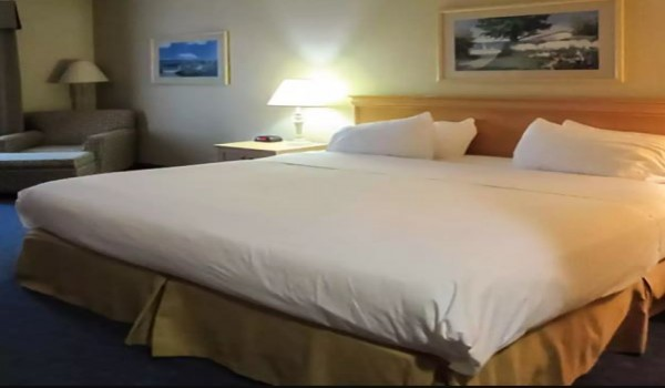 Quality Inn & Suites Sneads Ferry North Topsail Beach - Standard King